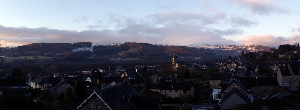 pitlochry_panorama_1