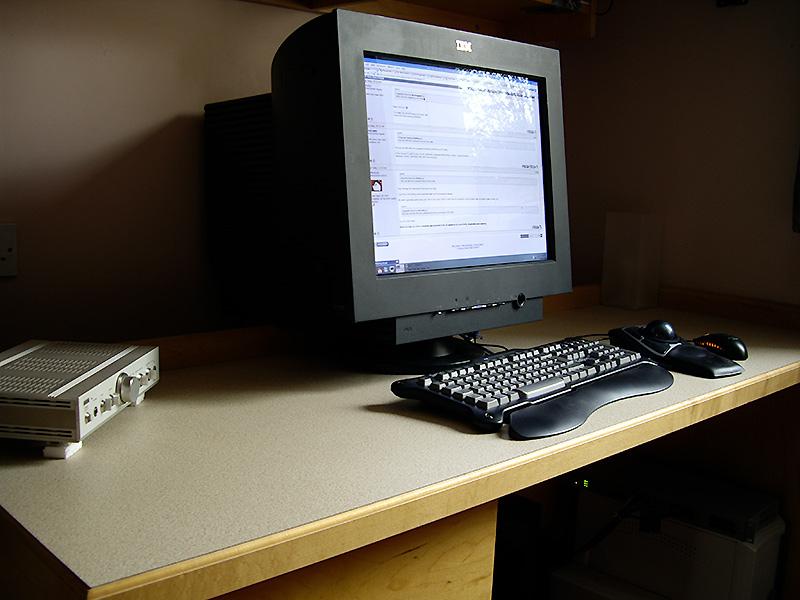 desk+may+08_02