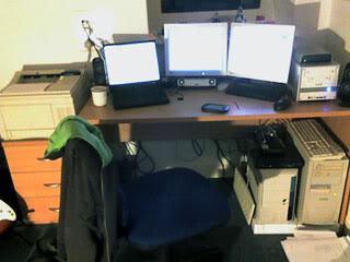 desk_corner